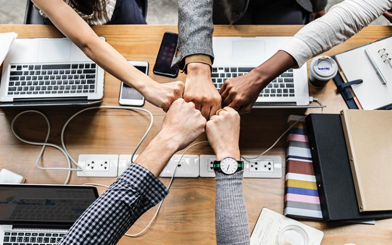 4 kiểu phong cách quản lý giữ chân người tài của sếp có tầm 3