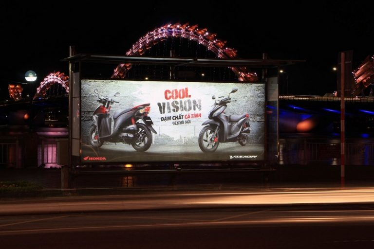 Các loại hình quảng cáo ngoài trời tại Việt Nam 2